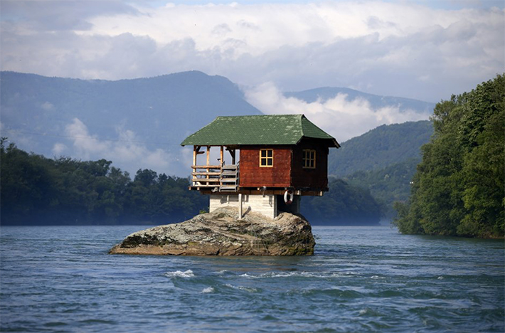 House-in-The-Lake