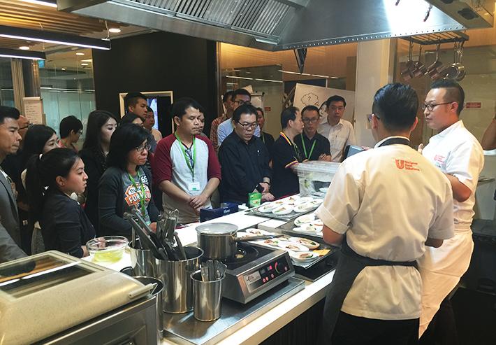 Chefmanship-Cooking-Demo