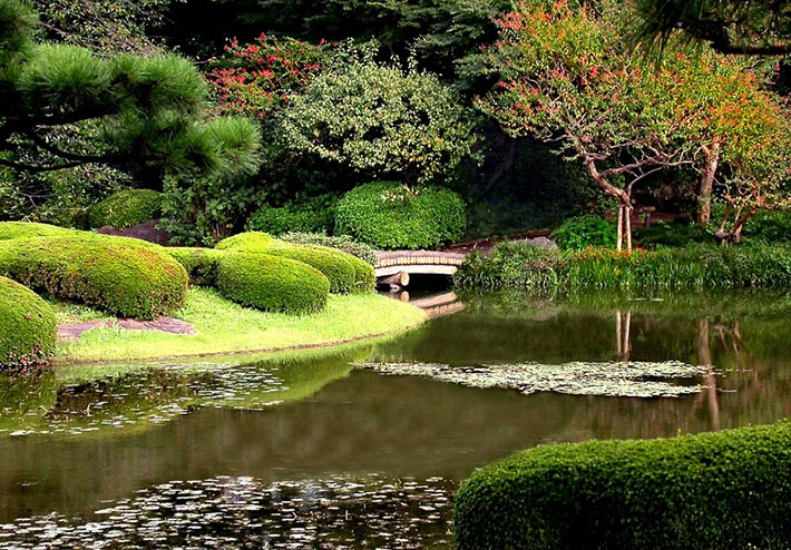 imperial-palace-gardens
