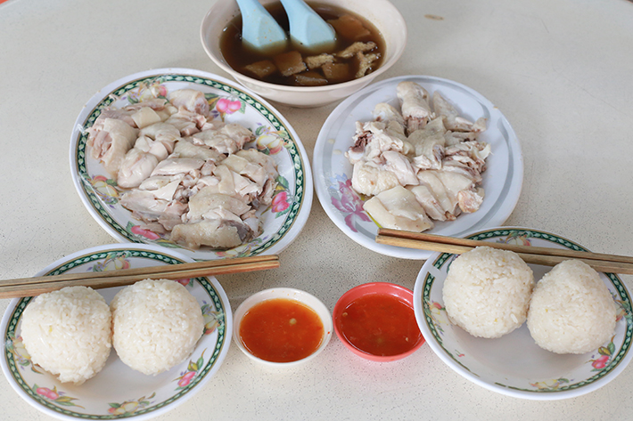 Hainan Chicken Rice Ball Group Shot