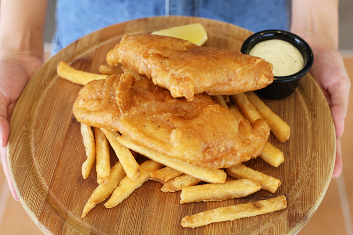 THE-CARVING-BOARD-FISH-AND-CHIPS