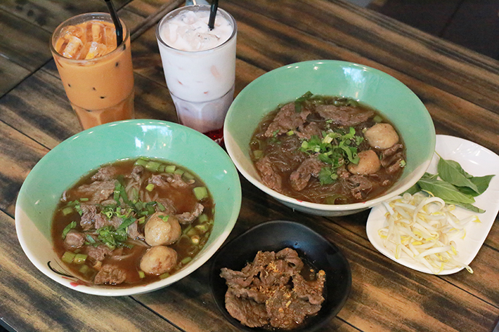 Tiew Mai Thai Boat Noodles Group Shot