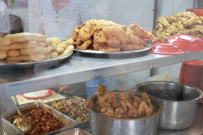 Beach Road Scissor-Cut Curry Rice Dishes