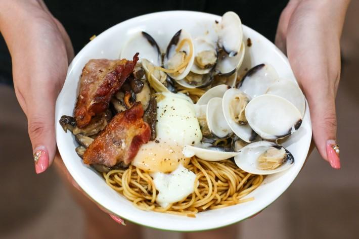 Taste Affair Sake Butter Claim Bacon Mushroom Pasta