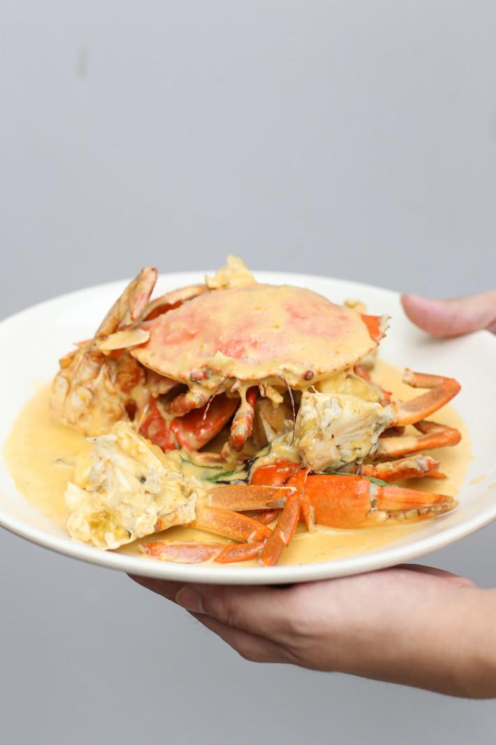 21 Seafood - Sri Lankan Crab with Salted Egg Yolk Sauce 1