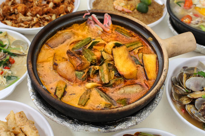 Sembawang Claypot Rice Curry Fish Head