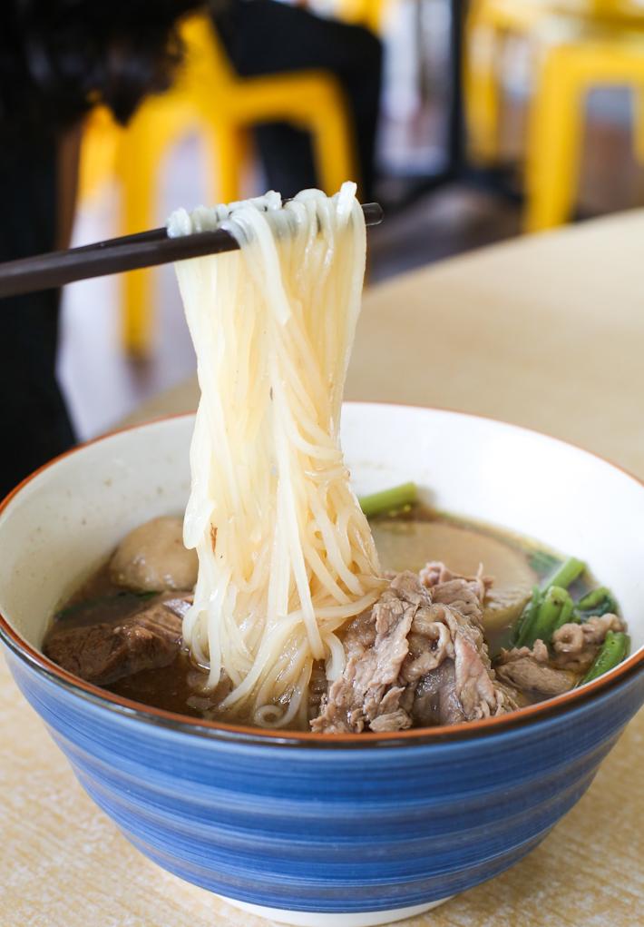 Easy Chatuchak Noodles