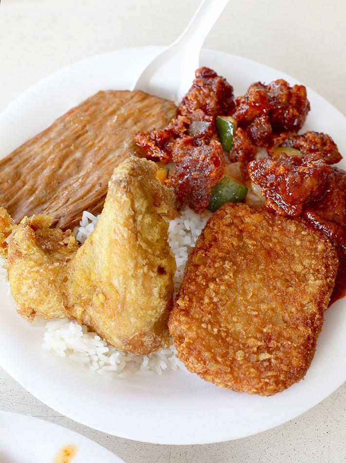 plate 2 nasi lemak chong pang